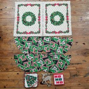 Bundle of 18 Christmas Holiday Items